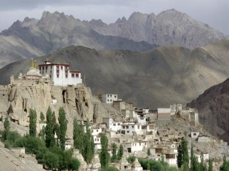 pict0364-lamayuru-monastery