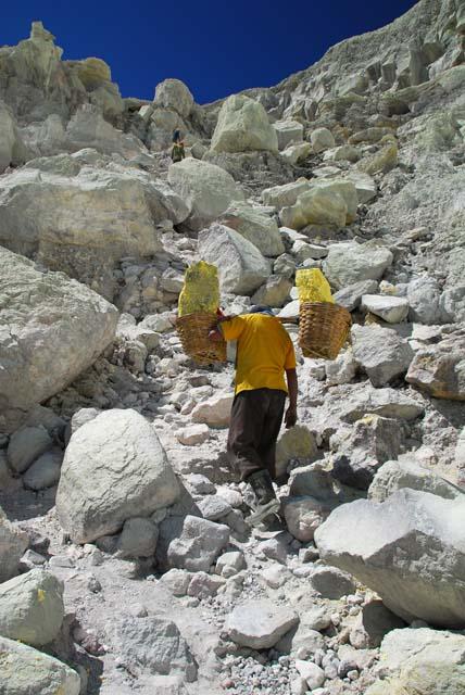 dsc_4064-sulphur-worker-2